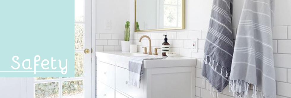 Gamme safety accessoires salle de bains creactive paris for Accessoires salle de bain paris